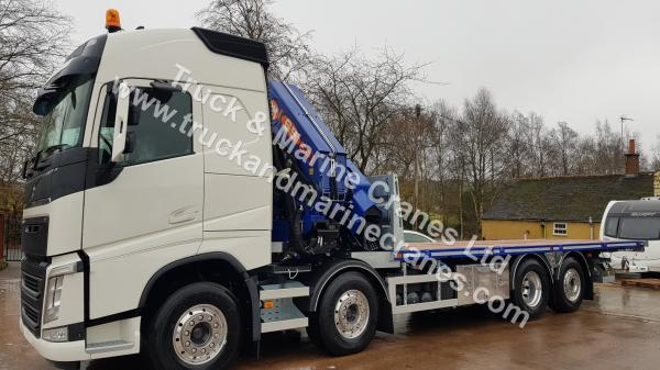 VOLVO FH Globetrotter & PM65028